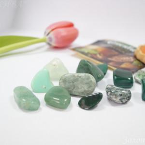 Камушки зеленых оттенков